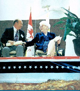 Ann Richards and David Adickes