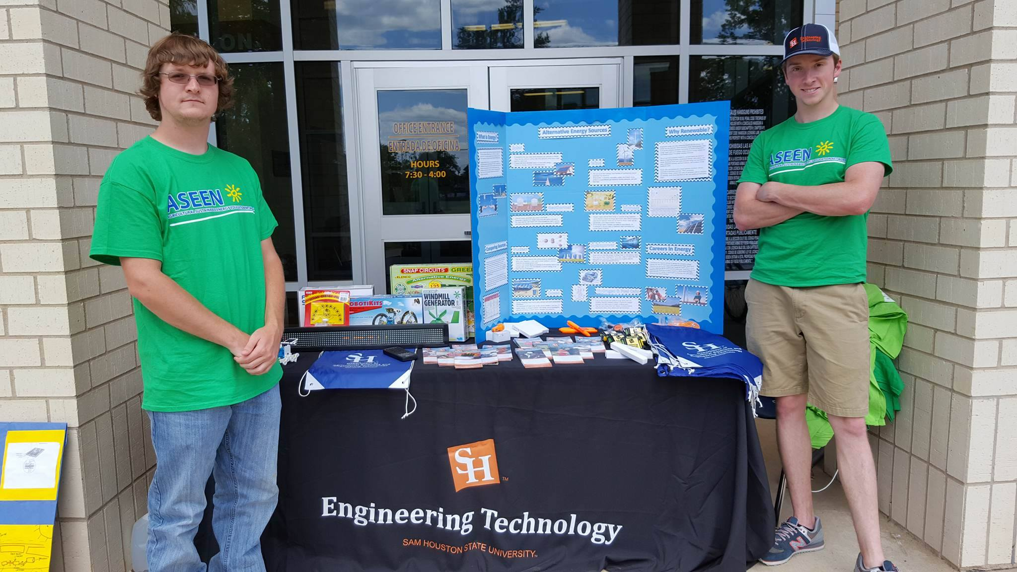 On And Off Campus Involvement Elenco Snap Circuits Green Alternative Energy From Over The Past Year Members Of Both Aseen Rcea Traveled To Local Schools Spoke Groups Science Agriculture Students With Intent