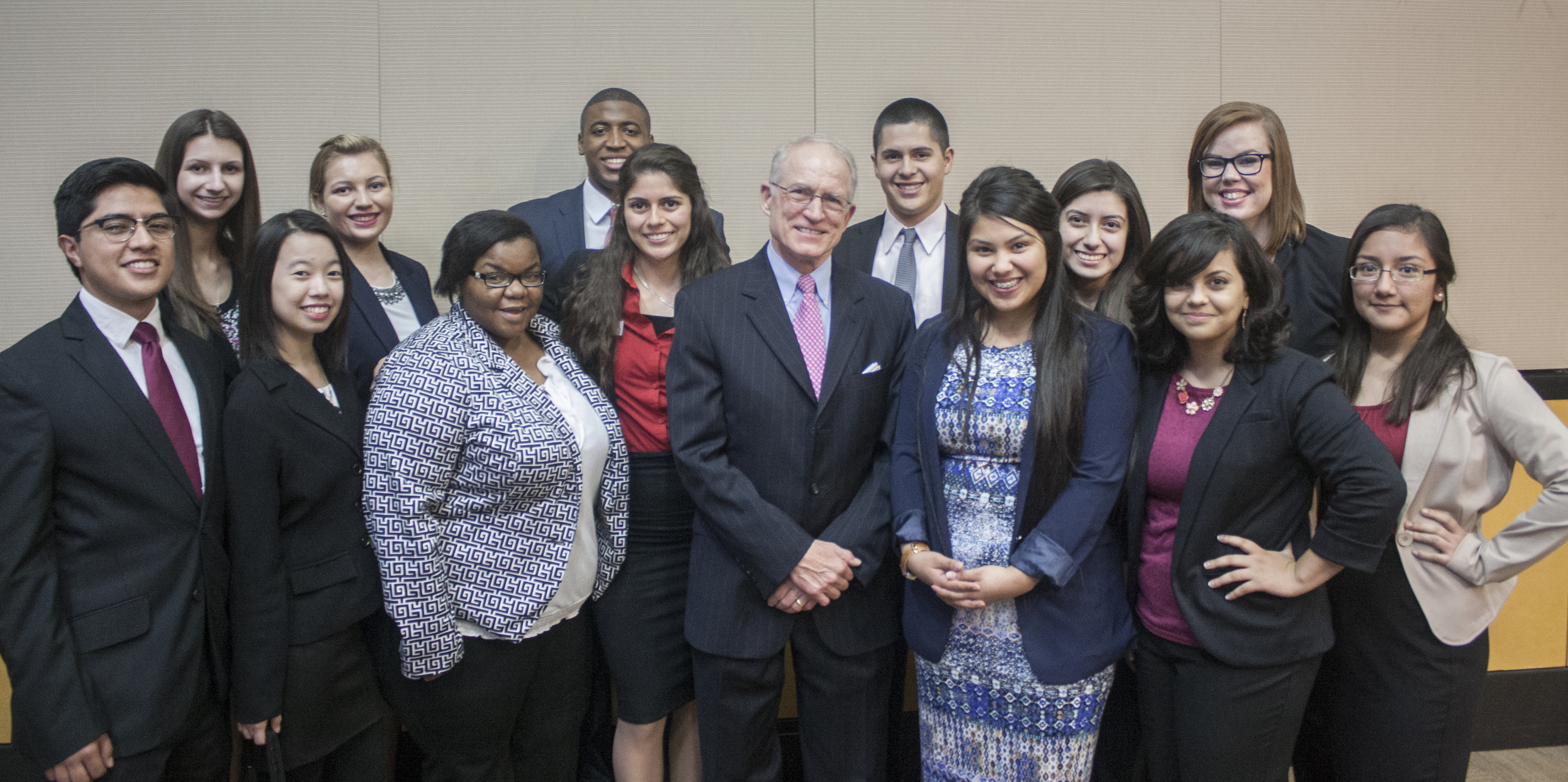 Students Meet with Ambassador Chase Untermeyer