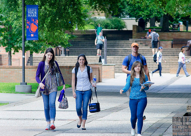 Students walk through the center of campus.