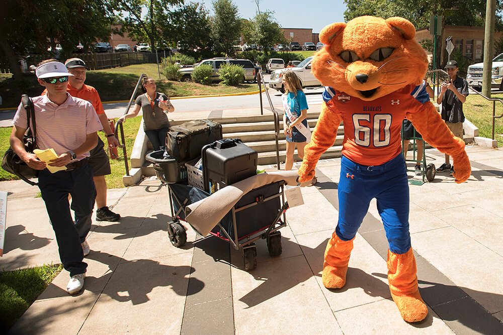 Sammy helping on Move In Day