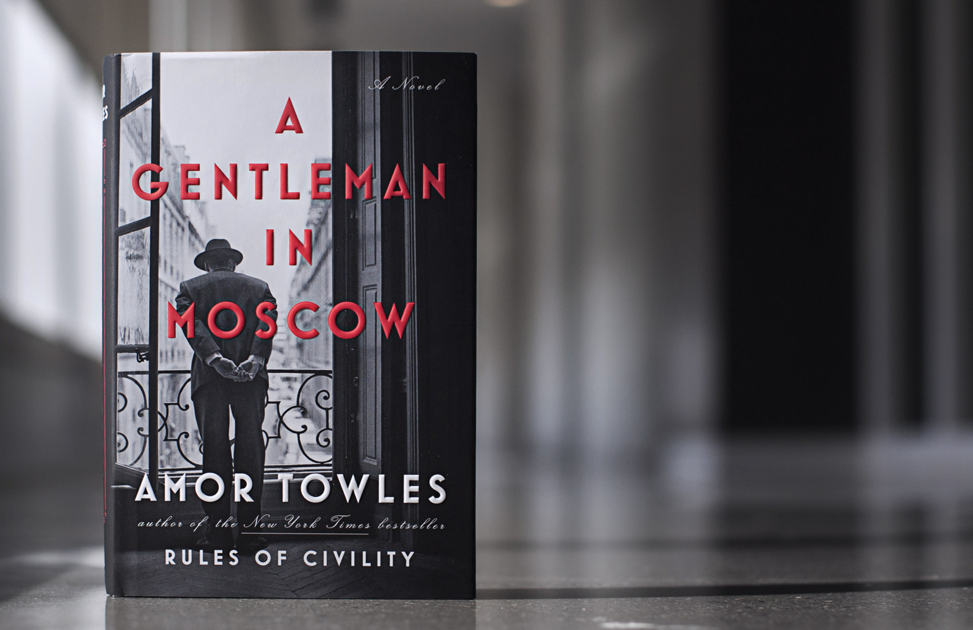 Book cover, a gentleman in Moscow